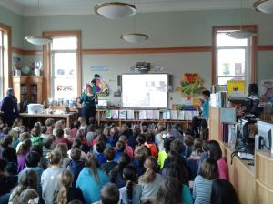 Jennifer Sloan, Director of Education, The Science Barge, teaching students about garbage and recycling