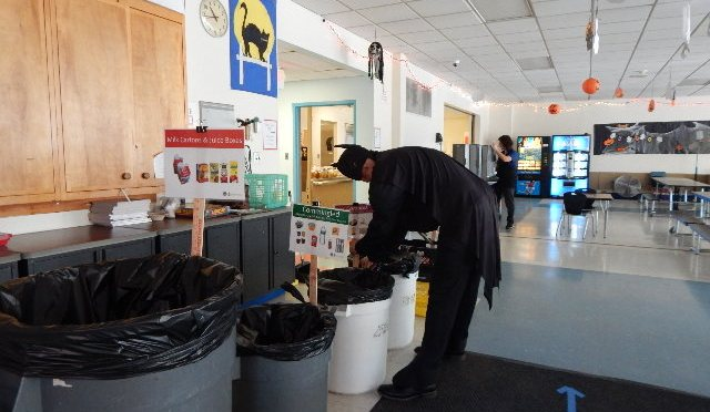 White Plains Ridgeway Elementary School reduces garbage by 95%