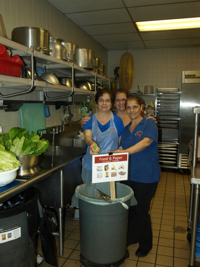 White Plains Ridgeway Elementary Kitchen Staff Feeds 600 Students Almost Wastefree!
