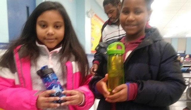 Mt Vernon students start bringing reusable water bottles to school, ditching single serve packaging